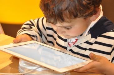 Frankreich will Kinder vor Handystrahlung schützen