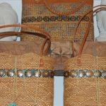 Korb und Batik Taschen
